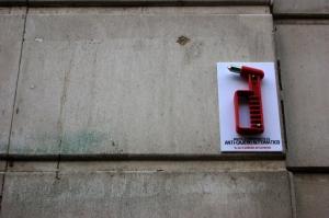 arte-urbano_martillo_lefthandrotation-21